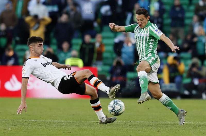 Maxi Gómez, Andrés Guardado, Real Betis, Valencia, Liga Santander, Diego Laínez, mexicanos, uruguayo